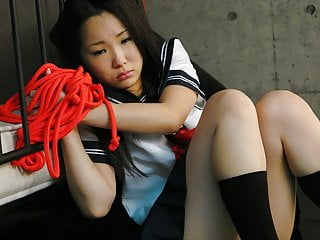 schoolgirl  Mizushima Ai is from Sweet pleasure moaning
