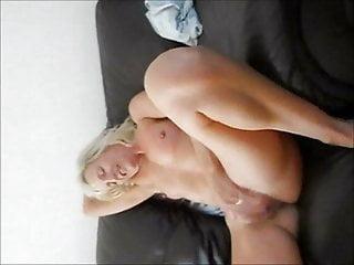 British Blonde Threesome video: UK MILF working her cunt