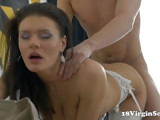 18 virgin sex harper gets her 18 year...