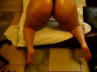 Giant Booty Shake