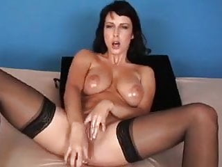 masturbate beautiful girl