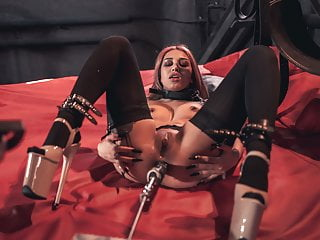 Xdominant 029 roxy lips anal casting in bdsm...