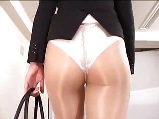 Officelady in sheer pantyhose...