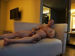 Chinese Muscle Guy Jerk Off