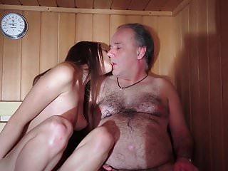 Papà scopata Bella vergine giovane figa fa pompino Gaggin