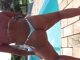 brasileira in biquinie