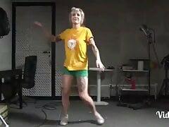 MARIANA AYRES VIDEO DESSA MAMAE FEMINISTA DELICIA