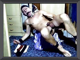 totally naked slave enjoy fisting himself 2 feet xxl dildo