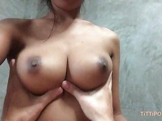 豐滿的泰國女友給了最好的頭