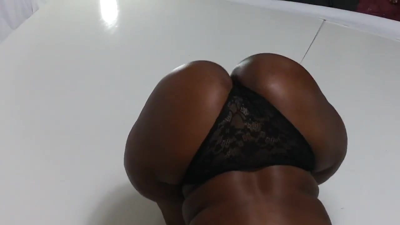 Big Ass Small Waist Ebony