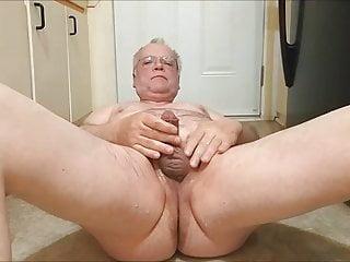 سکس گی Serving myself a nice glass of warm piss to drink. hd videos daddy  canadian (gay) amateur