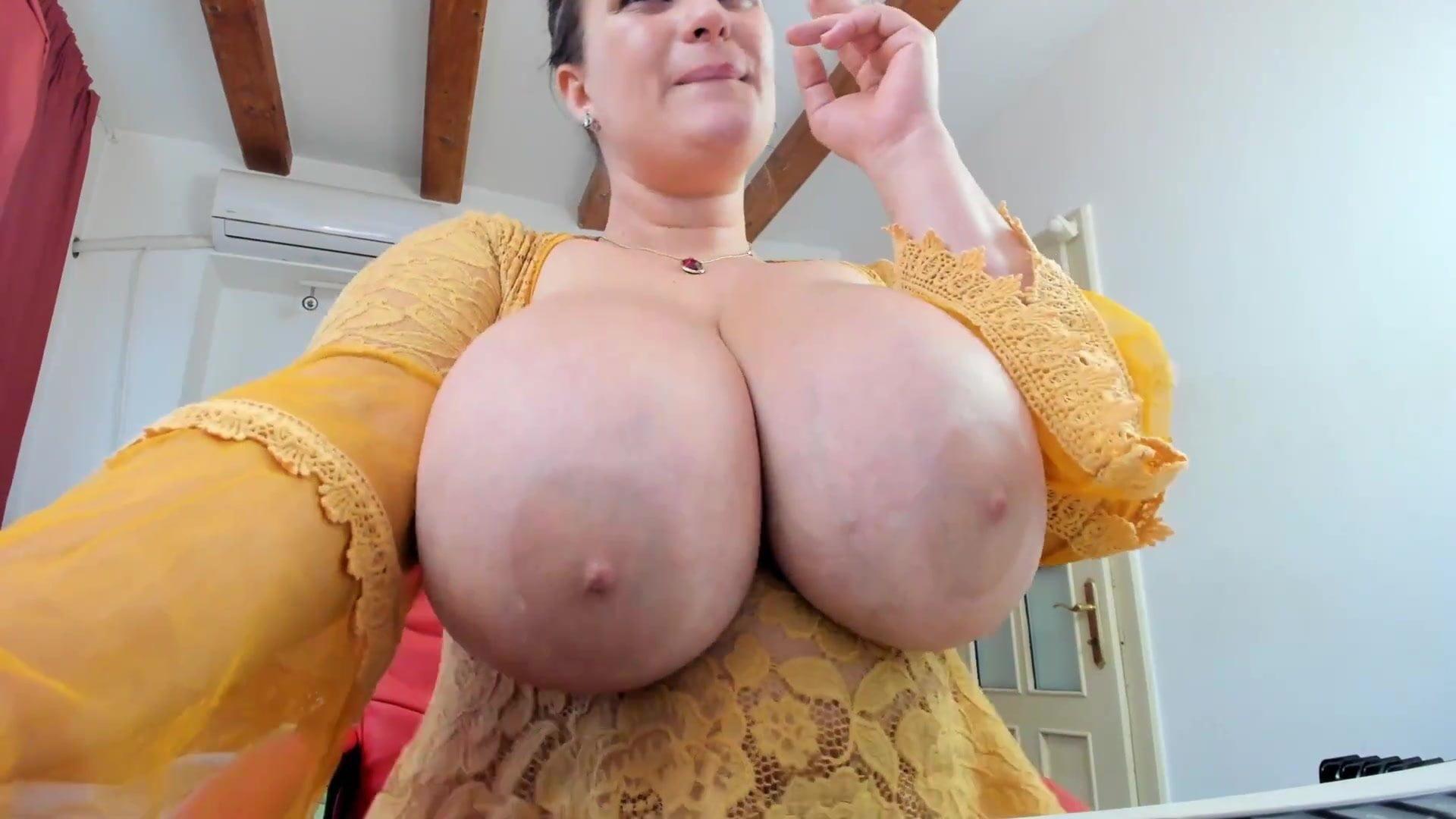 nagy mellbimbó szex videók