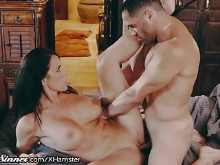 Sweetsinner drilling friends hot mom in his bed...