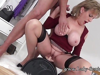 Rides sybian a huge cock...