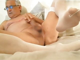 Amass mature smooth daddy in nylons...