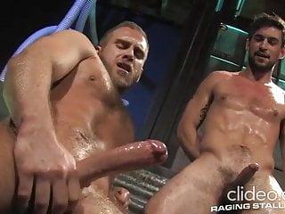 Hunks Swan W. and Benjamin G. jerking n cuming together