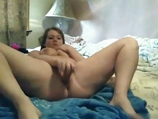Horny Fat Chubby BBW masturbating her pussy and squirting