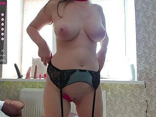 Sexy girl masturbates her hole on camera