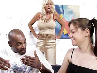Tia Gunn And Angel Truffles Smashes Black Shaft