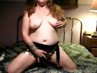 Amateur redhead cums hard and fast