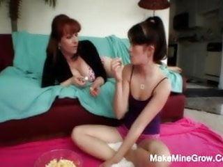 Two Hot Lesbians Do A Vaginal Masturbation