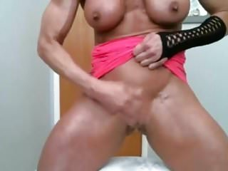 Big clit pussy squirting .