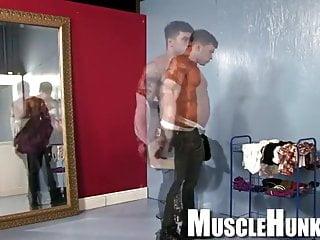 Bodybuilders hunks muscle jocks