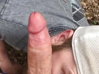 Bearded sucking a good dick