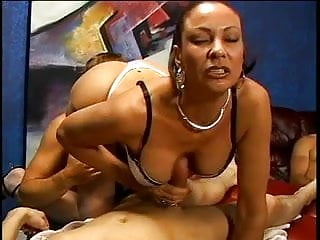 vanessa videl ass fucked by 4 cocksPorn Videos