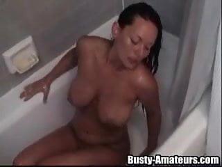 Cutie Leslie gets horny in the bathroom