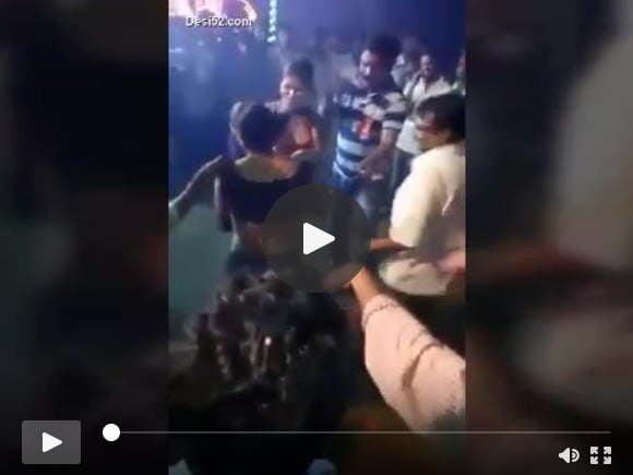 भारतीय पहली बार नग्न नृत्य