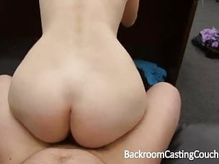 Fit gamer babe in casting...