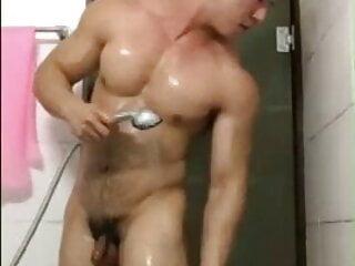 Korean Bodubuilder Masturbation