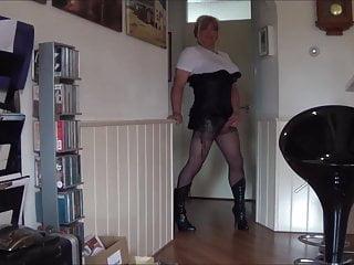 Mistress jezz girl wanking her litle cock...