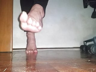 Toe Spread and Pink Teenage Soles – my feet video