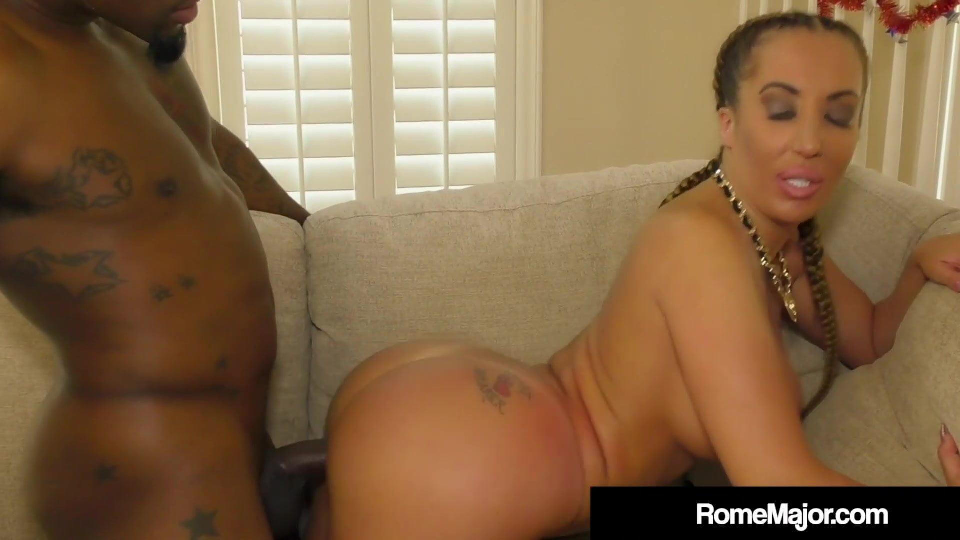 Debby ryan leszbikus pornó