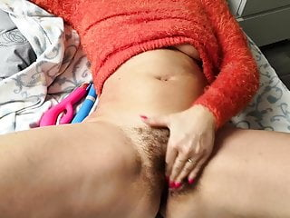 Czech furry cunt – masturbation and orgasm in sweater