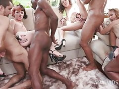 5 girls and 10 holes fucked at party