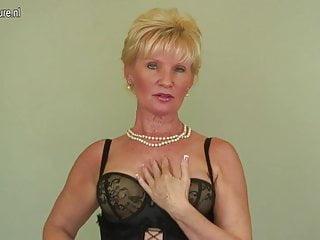 Nonna di classe e sexy al casting